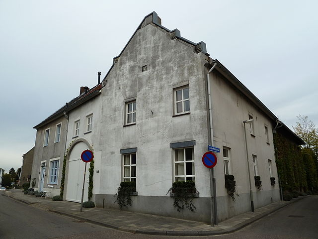 640px-Berg-Grote_Straat_64_(1)